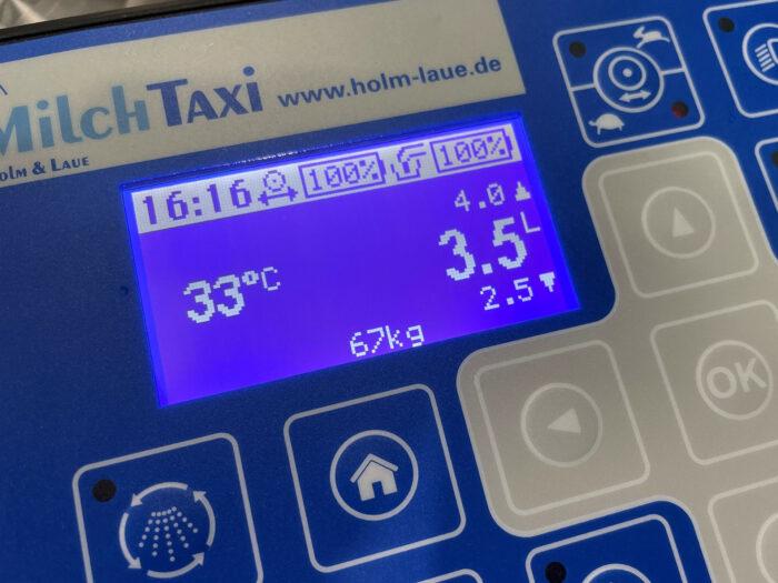 Bildschirm des MilchTaxis mit Anzeige der Füllmenge